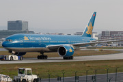 Boeing 777-2Q8/ER (VN-A141)