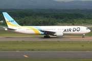 Boeing 767-381 (JA8359)