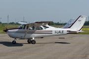 Cessna 172K Skyhawk (I-LALE)