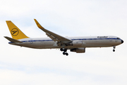 Boeing 767-31A/ER (D-ABUM)