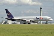 Boeing 757-23A(SF) (N919FD)