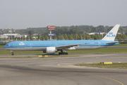 Boeing 777-306/ER (PH-BVA)