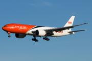 Boeing 777-FHT (OO-TSA)