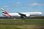 Boeing 777-31H(ER) (A6-ENM)