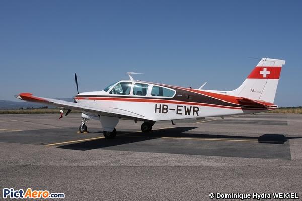 Beech F33A Bonanza (Privé/Private)