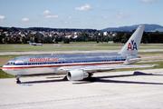 Boeing 767-222 (N327AA)