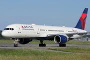 Boeing 757-2Q8 (N703TW)