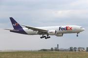 Boeing 777-FS2 (N853FD)