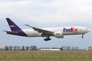 Boeing 777-FS2 (N857FD)
