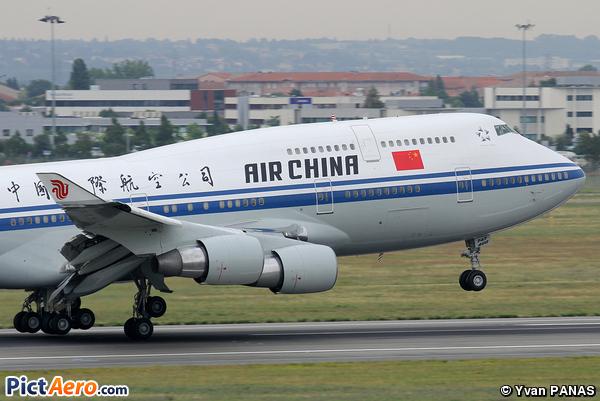 Boeing 747-4J6 (Air China)