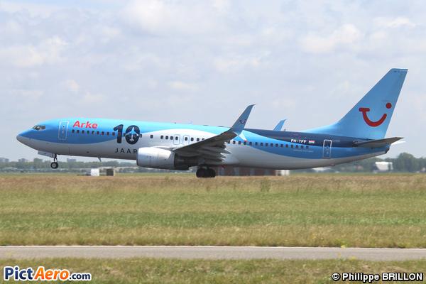 Boeing 737-86N (ArkeFly)