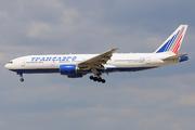 Boeing 777-212/ER (EI-UNU)