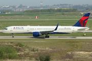 Boeing 757-2Q8 (N712TW)