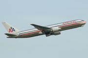 Boeing 767-323/ER (N371AA)
