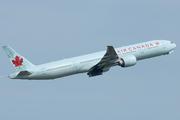 Boeing 777-333/ER (C-FITW)