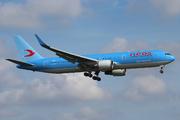 Boeing 767-324/ER (I-NDDL)