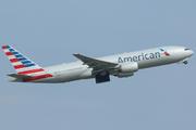 Boeing 777-223/ER (N758AN)