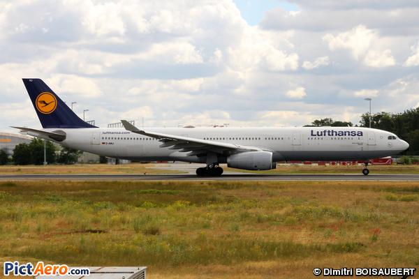Airbus A330-303X (Lufthansa)