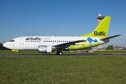 Boeing 737-522 (YL-BBN)