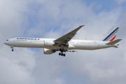 Boeing 777-328/ER (F-GZNO)