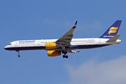 Boeing 757-223(WL) (TF-ISL)