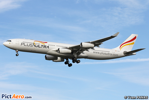 Airbus A340-313 (Plus Ultra)