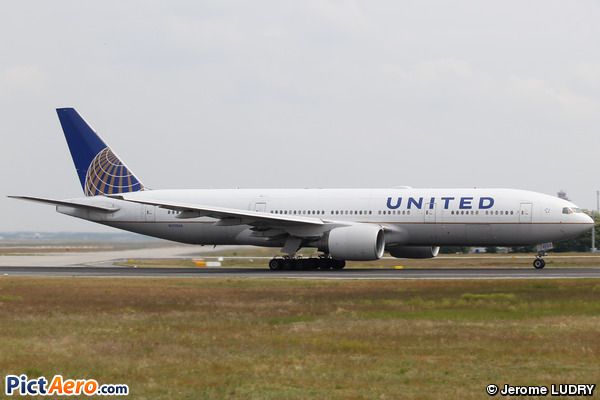 Boeing 777-222/ER (United Airlines)