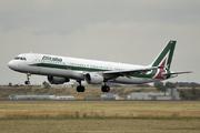 Airbus A321-112 (EI-IXZ)