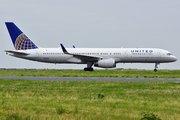 Boeing 757-224 (N34137)