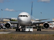 Boeing 767-33A/ER (UR-GEB)