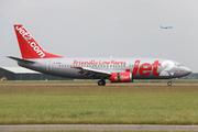 Boeing 737-377 (G-CELF)