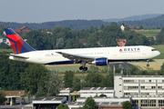 Boeing 767-3P6/ER (N152DL)