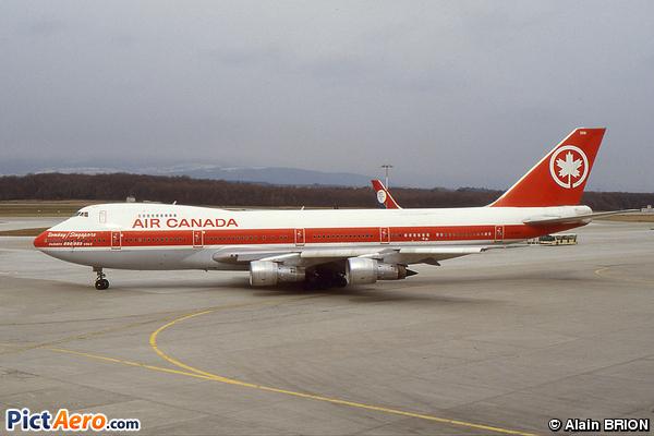 Boeing 747-233BM (Air Canada)
