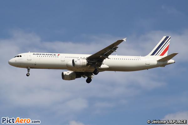 Airbus A321-212 (Air France)