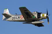Douglas AD-4N Skyraider (F-AZHK)