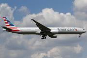 Boeing 777-323ER (N724AN)