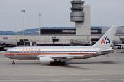 Boeing 767-223/ER (N328AA)