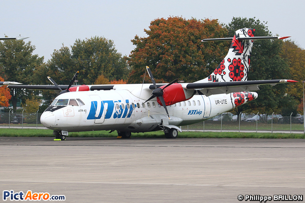 ATR 42-300 (UTair-Ukraine)