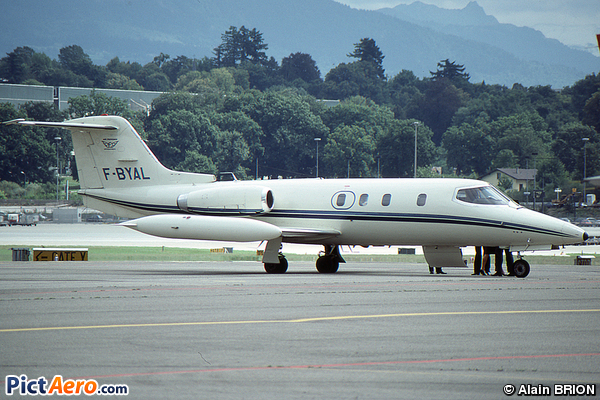 Learjet 25C (Air Provence)