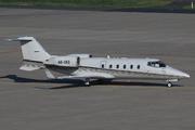 Learjet 60 (A6-IAS)