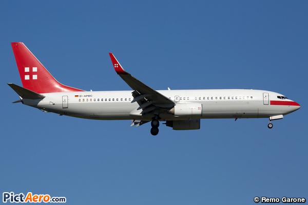 Boeing 737-8BK (PrivatAir)