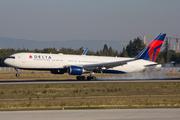 Boeing 767-332/ER (N171DZ)