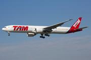 Boeing 777-32W/ER (PT-MUI)