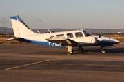 Piper PA-34-200-2 (F-HLJL)
