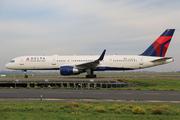 Boeing 757-2Q8 (N710TW)