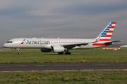 Boeing 757-223 (N198AA)