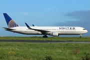 Boeing 767-322/ER (N666UA)