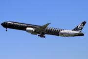 Boeing 777-319/ER (ZK-OKQ)