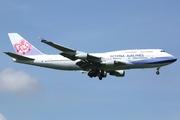 Boeing 747-409 (B-18208)