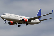 Boeing 737-883 (LN-RRJ)